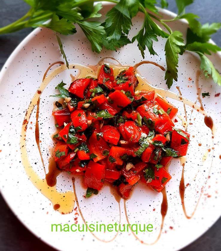 meze turc de poivrons rouges grillés